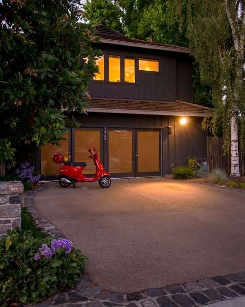 Garage doors the gateway to curb appeal harrell for Bay area garage doors